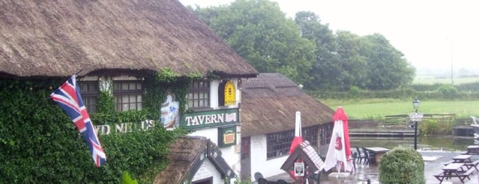 Guy's Thatched Hamlet & Owd Nell's is one of Phat's Liked Places.