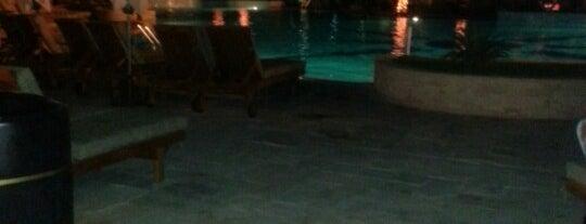 Radisson Blu Beach Club & Spa Abu Dhabi is one of Posti che sono piaciuti a LianaLinaLi.