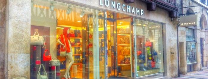 Longchamp is one of สถานที่ที่ Ana Beatriz ถูกใจ.
