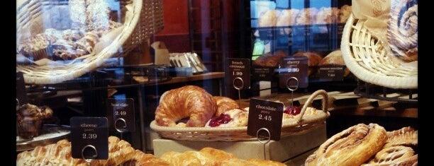 Panera Bread is one of Tempat yang Disukai Lorraine-Lori.