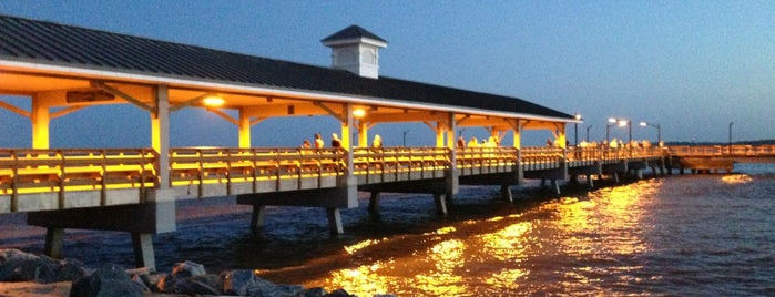 St. Simons Island Pier is one of Lugares favoritos de Joel.