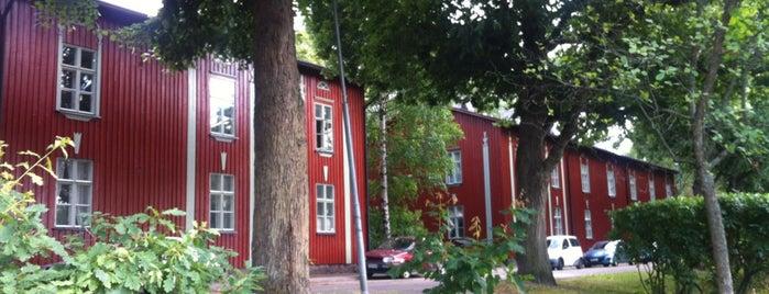 Käpylä / Kottby is one of สถานที่ที่ Molly ถูกใจ.