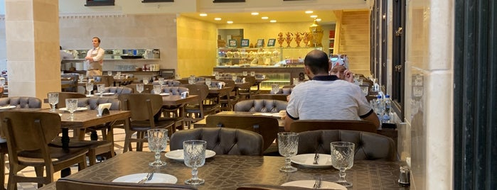 Saruja Restaurant is one of Tempat yang Disimpan Numan.