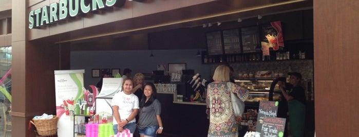 Starbucks is one of Lugares favoritos de Ria.