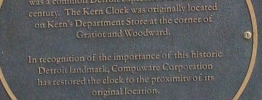 Kern Clock is one of Locais curtidos por Andrea.