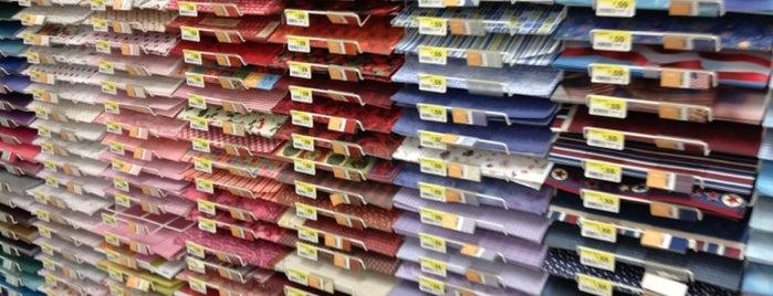 JOANN Fabrics and Crafts is one of สถานที่ที่ Michiyo ถูกใจ.