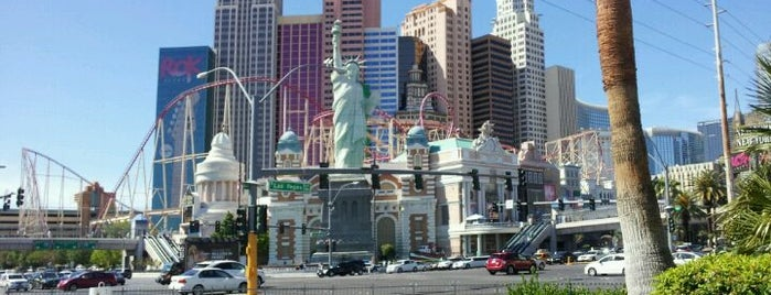 Las Vegas is one of Lieux qui ont plu à Omer.