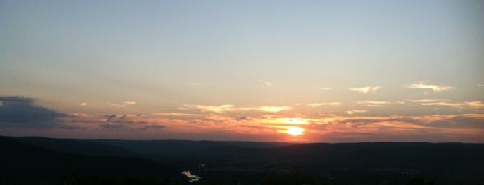 Harris Hill Overlook is one of Best places to go in Mark Twain Country!.