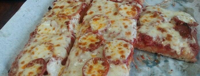 Catanzaro's Pizzeria is one of Tempat yang Disukai Kevin.