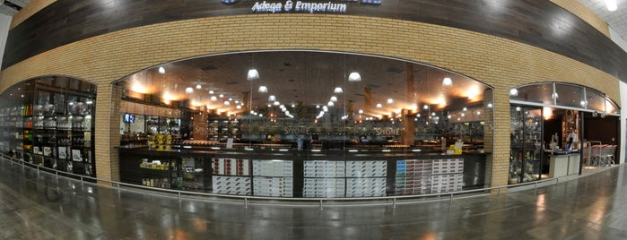 Makro Speciale - Adega & Emporium is one of Projetos Comerciais escritório IDOETA arquitetura.