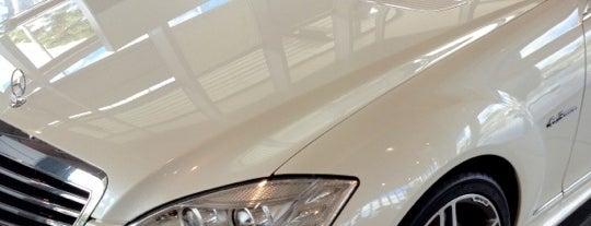 Mercedes-Benz Divesa is one of สถานที่ที่ Sabrina ถูกใจ.