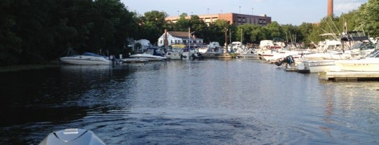 Watertown Yacht Club is one of Locais curtidos por Howie.