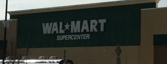 Walmart Supercenter is one of Locais curtidos por Chris.