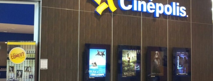 Cinépolis is one of Locais curtidos por Jin.