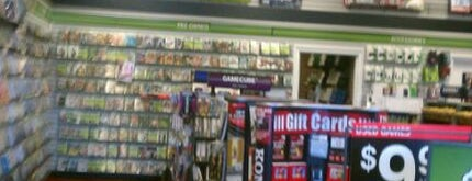 GameStop is one of Lugares favoritos de Lauren.