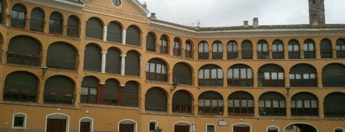 Plaza de Toros Vieja is one of De Tapeo con los Becquer.