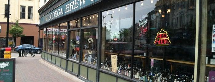 Bodega Brew Pub is one of Kayla 님이 좋아한 장소.
