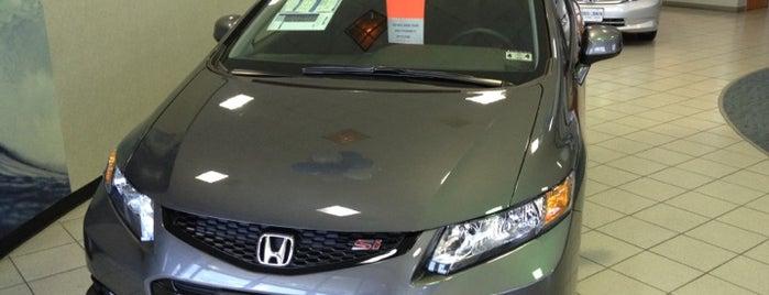 Russell & Smith Honda is one of Bonnie'nin Beğendiği Mekanlar.