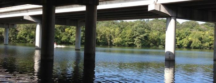 Lady Bird Lake Under I-35 Bridge is one of Lugares favoritos de Susie.