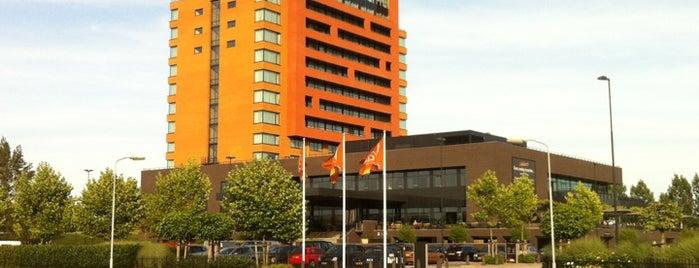 Van der Valk Hotel is one of Posti che sono piaciuti a Ana-Maria.