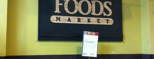 Whole Foods Market is one of Locais curtidos por Khalil.
