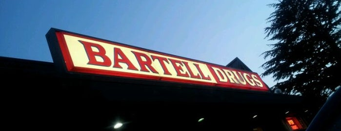 Bartell Drugs is one of Drew'in Beğendiği Mekanlar.