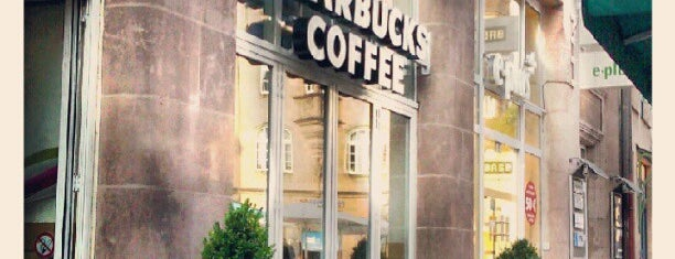 Starbucks is one of Locais curtidos por Selcuk.