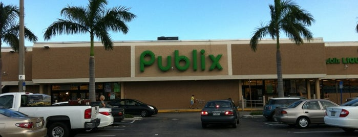 Publix is one of Consta 님이 좋아한 장소.