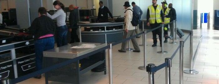 Security Screening is one of Locais curtidos por Matt.