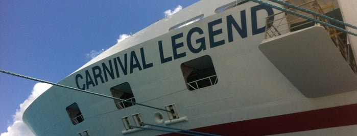 Carnival Legend is one of minhas viagens *.*.