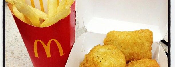McDonald's is one of Tempat yang Disukai Alberto J S.