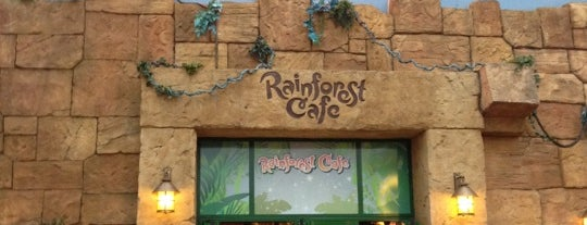 Rainforest Café is one of Lugares favoritos de Alvaro.