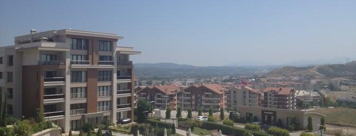 Turkuaz Evleri is one of Tempat yang Disukai Yiğit.