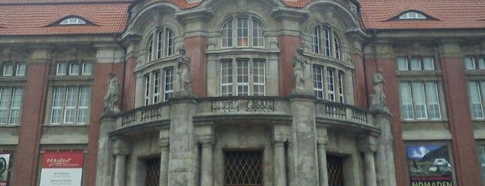 MARKK - Museum am Rothenbaum Kulturen und Künste der Welt is one of StorefrontSticker #4sqCities: Hamburg.