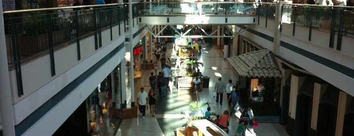 The Woodlands Mall is one of Locais curtidos por Fatih.
