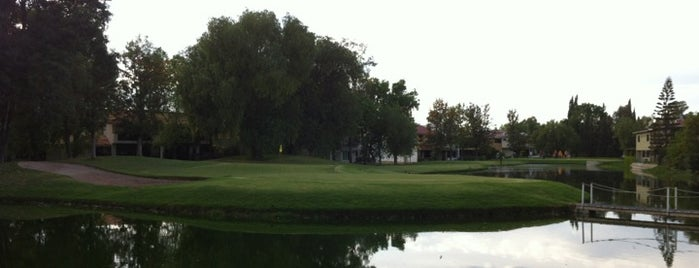 Pulgas Pandas Golf Club is one of Daniel'in Beğendiği Mekanlar.