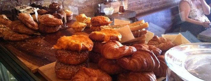 Oro Bakery and Bar is one of Lugares favoritos de Ellen C.