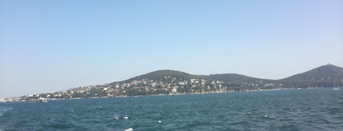 Büyükada is one of Top50 Reasons to Live on Asian Side of Istanbul.