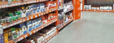The Home Depot is one of Lugares favoritos de Robert.
