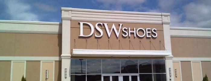 DSW Designer Shoe Warehouse is one of Lieux qui ont plu à $PAR☆LE aka.