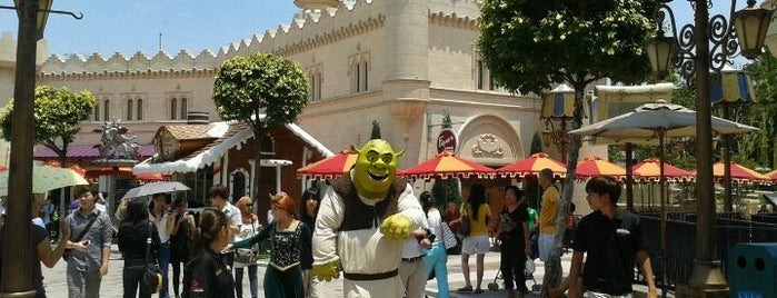 Friar's™ is one of Halal Restaurants in Universal Studios Singapore.