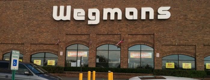 Wegmans is one of Locais curtidos por Rumman.