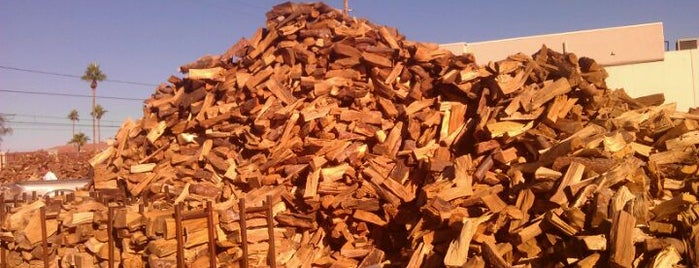 Berry Bros Firewood Company is one of Zach 님이 좋아한 장소.