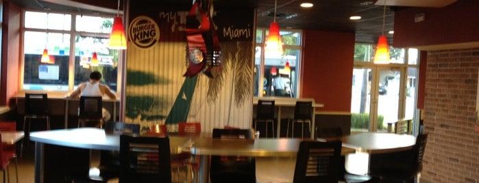 Burger King is one of Locais curtidos por Darrell.