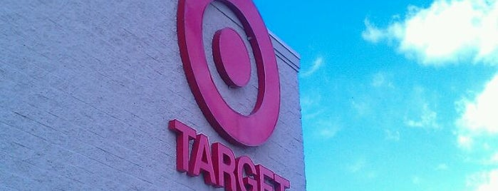 Target is one of Lugares favoritos de Emily.