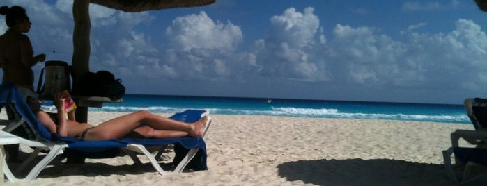 Playa Marriott is one of Locais curtidos por Nataly.