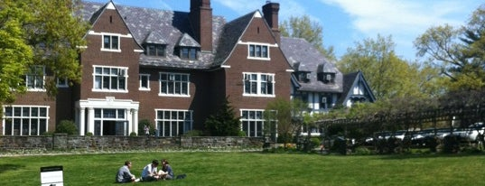 Sarah Lawrence College is one of Lugares favoritos de Meghan.