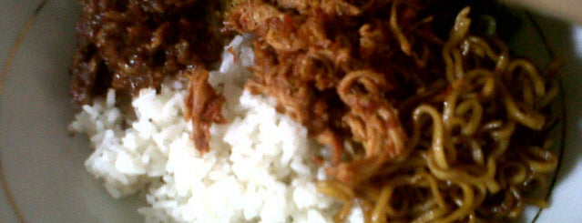 Warung Makan Khas Bali PUTRA is one of Locais curtidos por Ammyta.