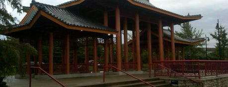Ping Tom Memorial Park is one of Favorite affordable date spots.