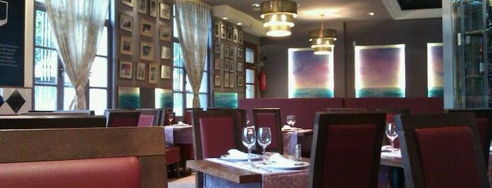 Restaurant Mundial is one of Tempat yang Disukai David.